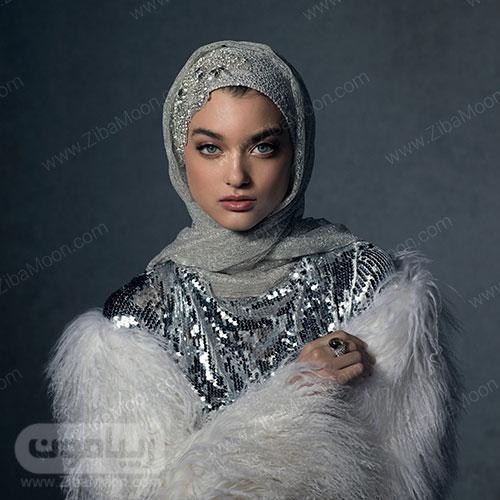 دختر زیبا با حجاب و شال طوسی