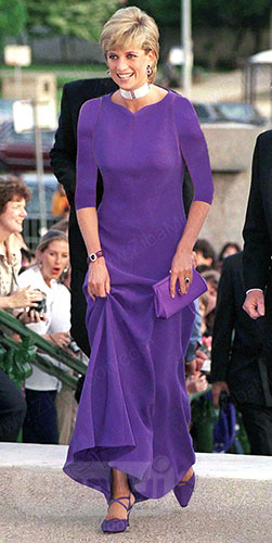 پرنسس دایانا در لباس بنفش