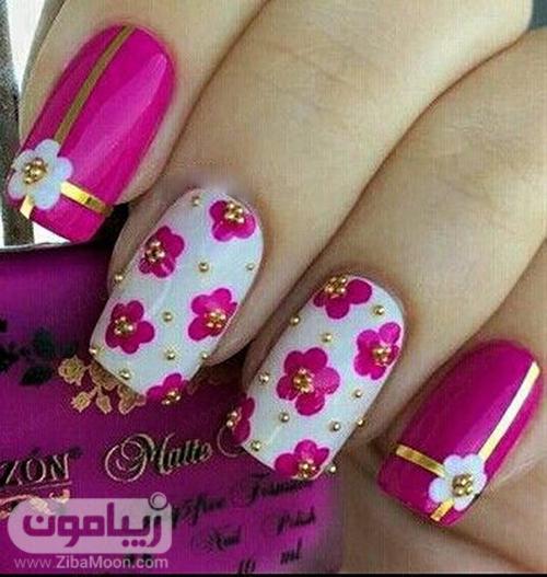 مدل طراحی ناخن گل دار با لاک سرخابی و سفید و طلایی