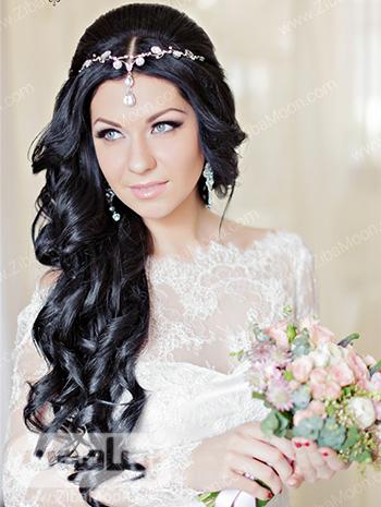 مدل مو باز عروس با موهای مشکی و اکسسوری روی پیشانی