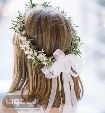 تاج گل طبیعی روی مو دختر بچه