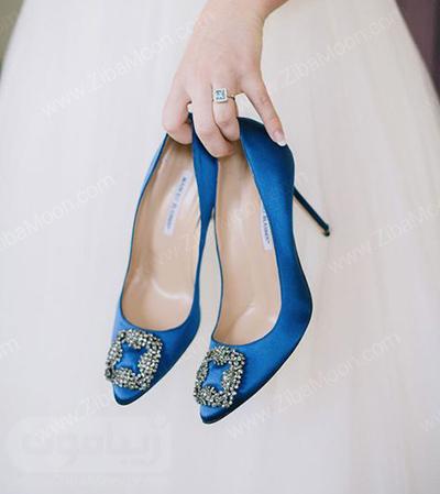 کفش عروس شیک با رنگ خیره کننده آبی کاربنی