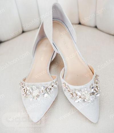 کفش عروس پاشنه تخت و نوک تیز