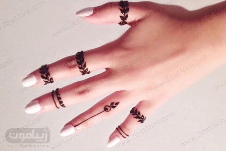 طراحی با حنا روی انگشتان