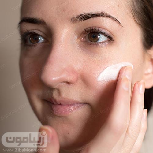 مرطوب کننده روی پوست