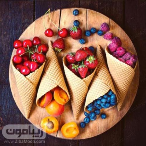 مخروط پر از میوه