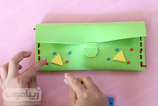 تزیین جامدادی با تکه های رنگی