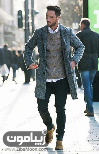 استایل زمستانی مردانه با کت و پلیور خاکستری و پیراهن سفید برای ولنتاین