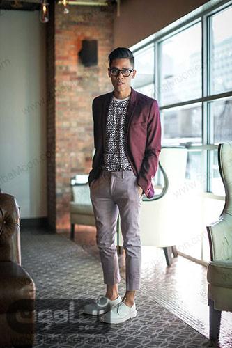 استایل مردانه خاص با کت زرشکی شلوار توسی و کفش سفید
