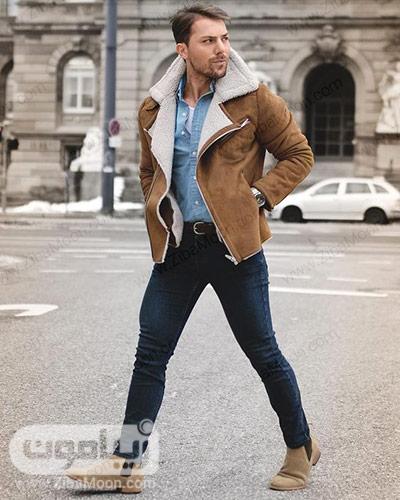استایل مردانه خاص با کفش و کاپشن کرمی و شلوار جین تیره