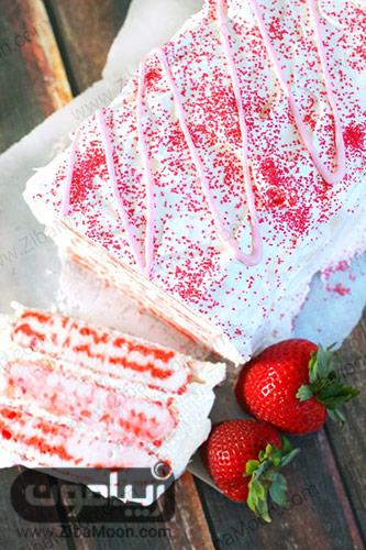 کیک بستنی توت فرنگی