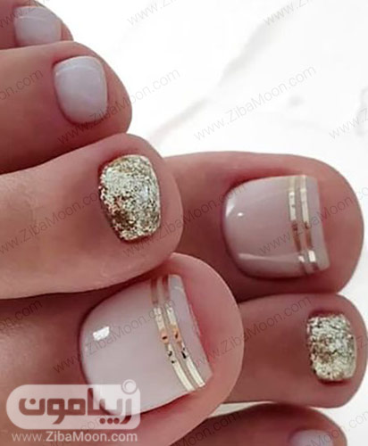 دیزاین ناخن های پا با لاک نوود و طلایی