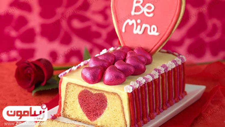 کیک توت فرنگی ولنتاین