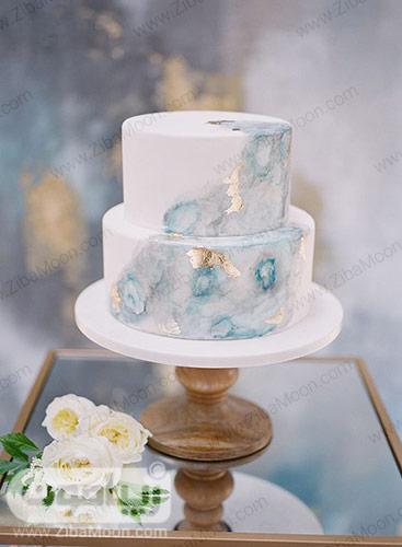 کیکی عروسی با تزیین مرمری آبی
