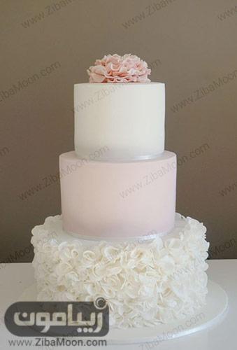 کیک عروسی سه طبقه سفید و صورتی ملایم