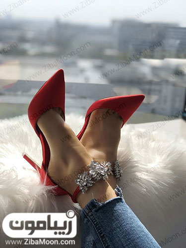 کفش قرمز برای ولنتاین