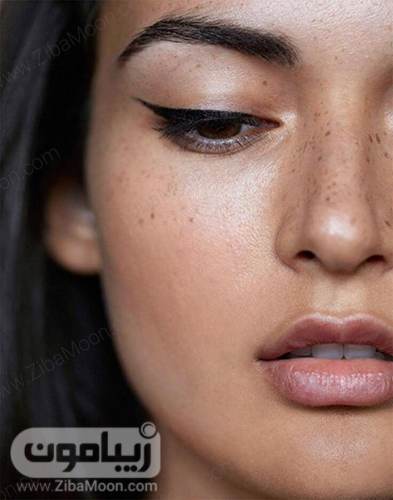 آرایش صورت ساده با خط چشم بالدار
