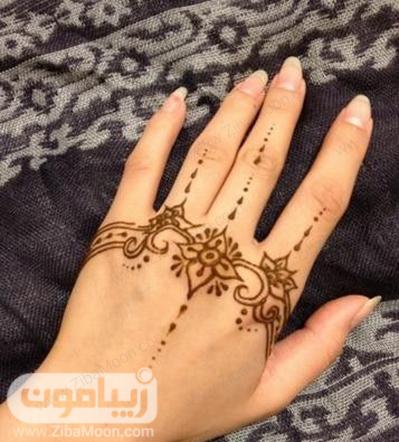 نقش حنا زیبا و ساده روی دست