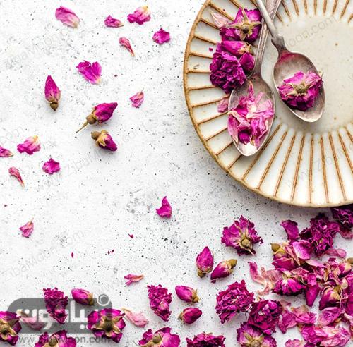 گلبرگ گل رز خشک شده