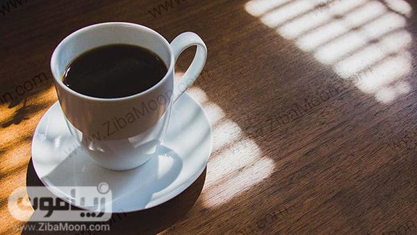 قهوه در فنجان سفید