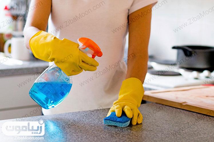 پاک کردن سطوح آشپزخانه