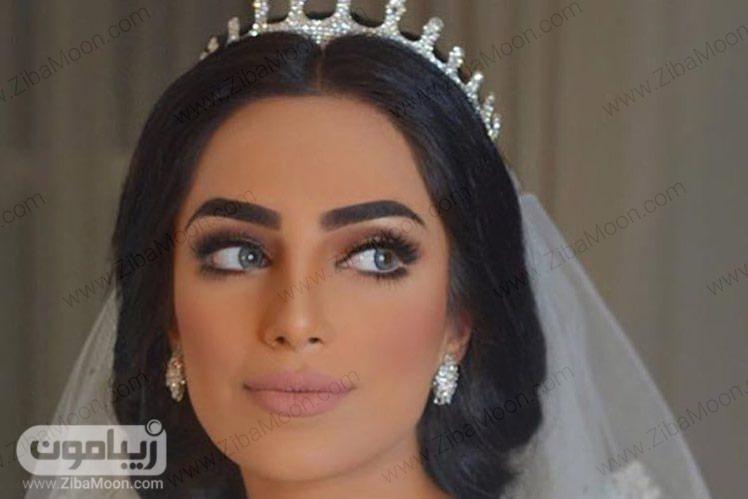 آرایش عروس با لنز آبی