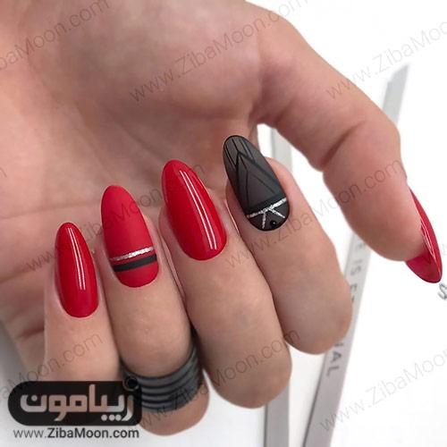 مدل دیزاین ناخن مدرن با لاک قرمز و مشکی درخشان