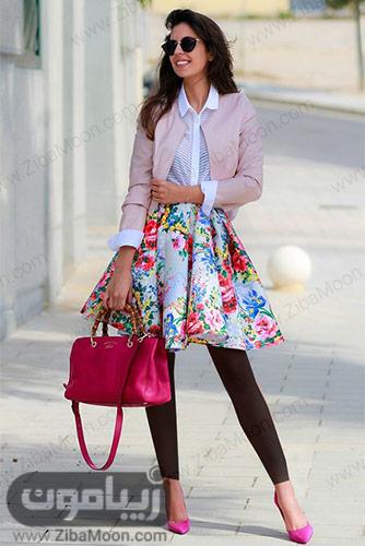 استایل دخترانه خاص و متفاوت با کت صورتی روشن و دامن کوتاه گلدار