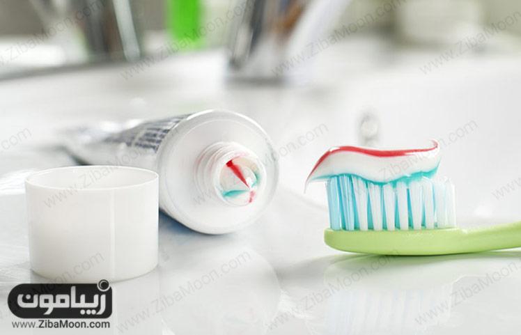 مسواک و خمیر دندان