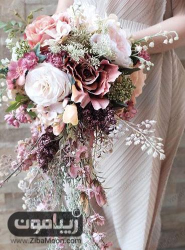 دسته گل عروس با گل های صورتی بزرگ