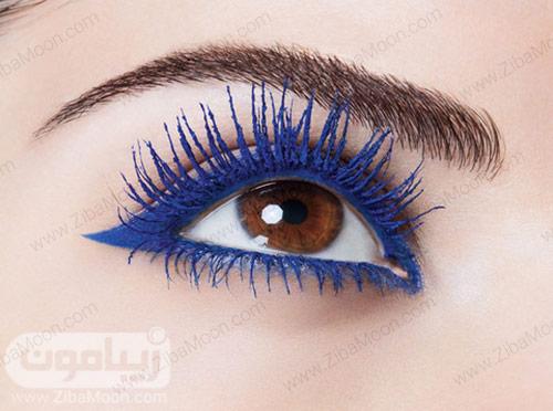 آرایش چشم با ریمل آبی