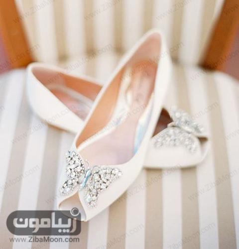 کفش سفید با تزئینات پروانه ای
