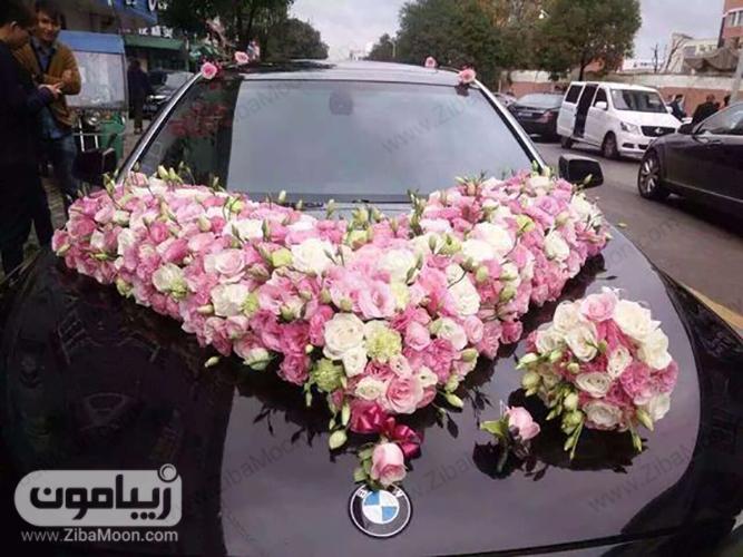 مدل ماشین عروس با گل سفید و صورتی