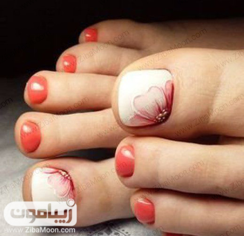 دیزاین ناخن گلدار با لاک نارنجی و سفید