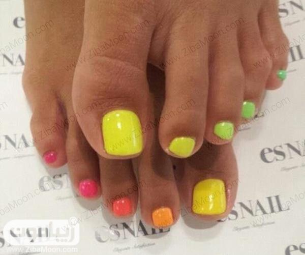 مدل لاک ناخن پا تابستانی و رنگارنگ