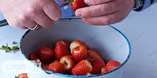 تمیز کردن توت فرنگی