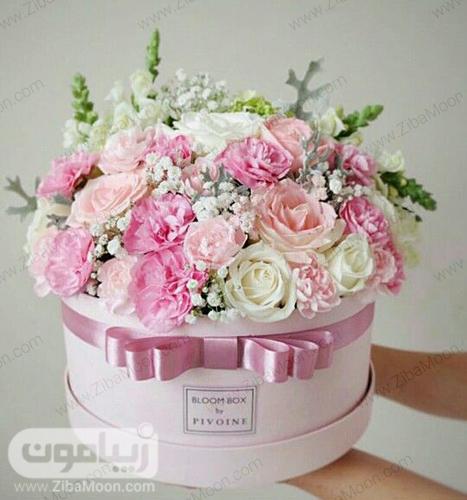 سبد گل سفید و صورتی مخصوص خواستگاری