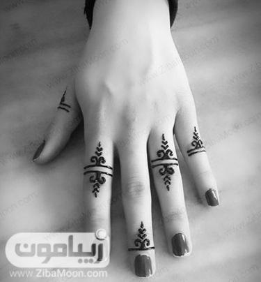 طراحی با حنا روی انگشتهای دست