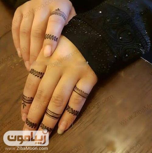 طرح حنا جذاب روی انگشتهای دست