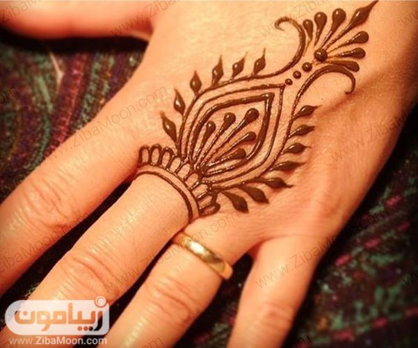 نقش حنا زیبا و خاص زنانه روی دست
