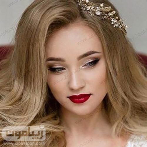 مدل میکاپ عروس با آرایش چشم ساده و رژلب قرمز درخشان