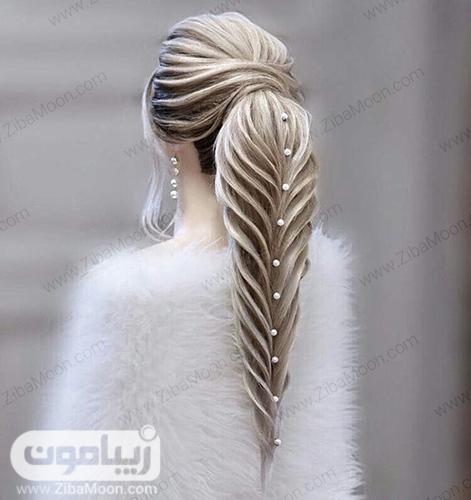 شینیون مو خطی به شکل دم اسبی بسیار شکیل