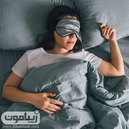خوابیدن با چشم بند