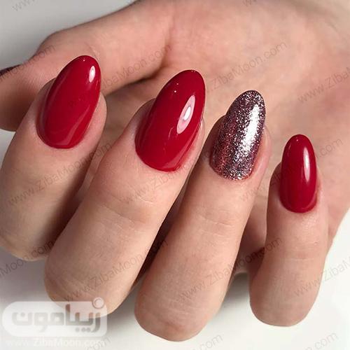 مدل ناخن ساده و زیبابا لاک قرمز و لاک اکلیلی نقره ای