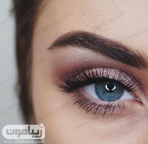 آرایش لایت و طبیعی برای چشم رنگی