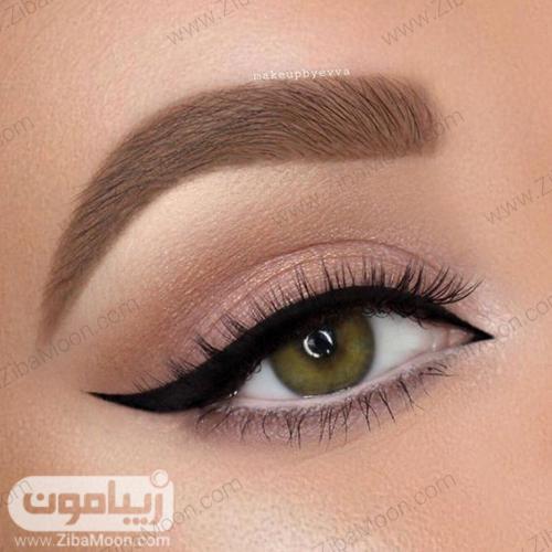 مدل آرایش لایت و طبیعی دخترانه با خط چشم بلند و شیک