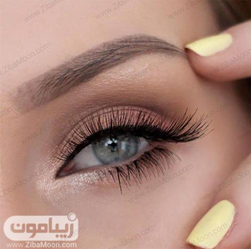 مدل آرایش لایت برای رنگ چشم سبز