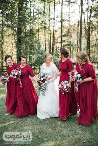 ساقدوش عروس با لباس زرشکی