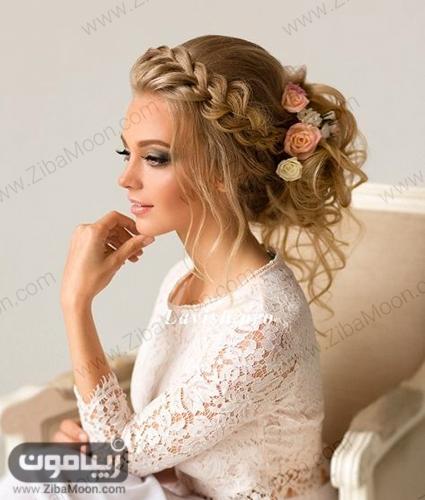 شینیون مو عروس با بافت مو یکطرفه در جلوی موها