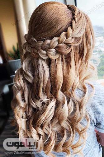 بافت مو آبشاری با موهای فرخورده و شیک